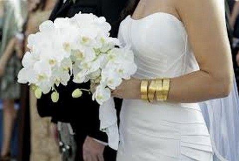 Παντρεύεται γνωστό ζευγάρι της showbiz! Η πρόταση γάμου στην Σαντορίνη και το εντυπωσιακό μονόπετρο