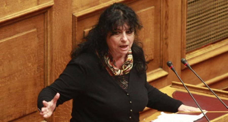 Άννα Βαγενά: «Πατέντα στην κοροϊδία»