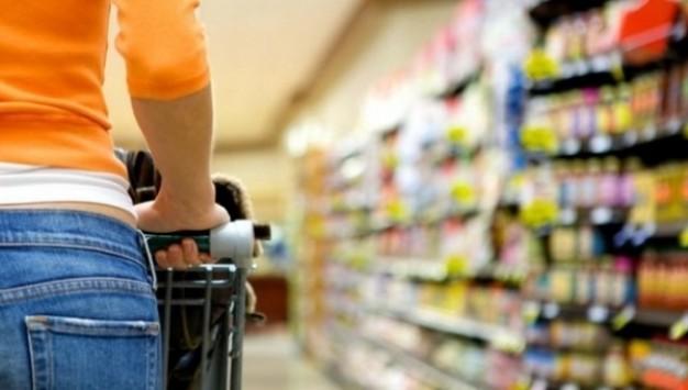 Πανικός: Φίδι δίπλα σε καροτσάκια σούπερ μάρκετ!