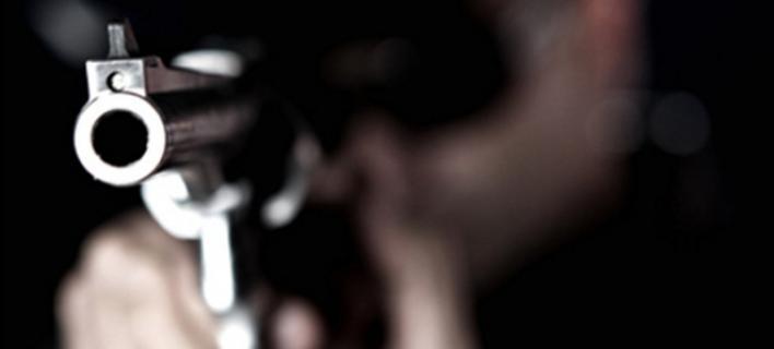Πατέρας ξυλοκόπησε δάσκαλο που παρενοχλούσε σεξουαλικά την κόρη του