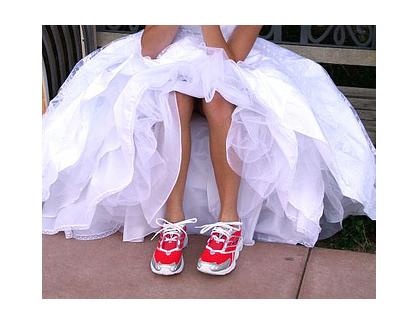 Βαρέθηκε τους άνδρες και παντρεύτηκε... ένα φάντασμα - ΦΩΤΟ
