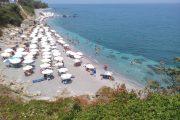 Ζητούν να απαγορευτούν οι ρακέτες στην παραλία