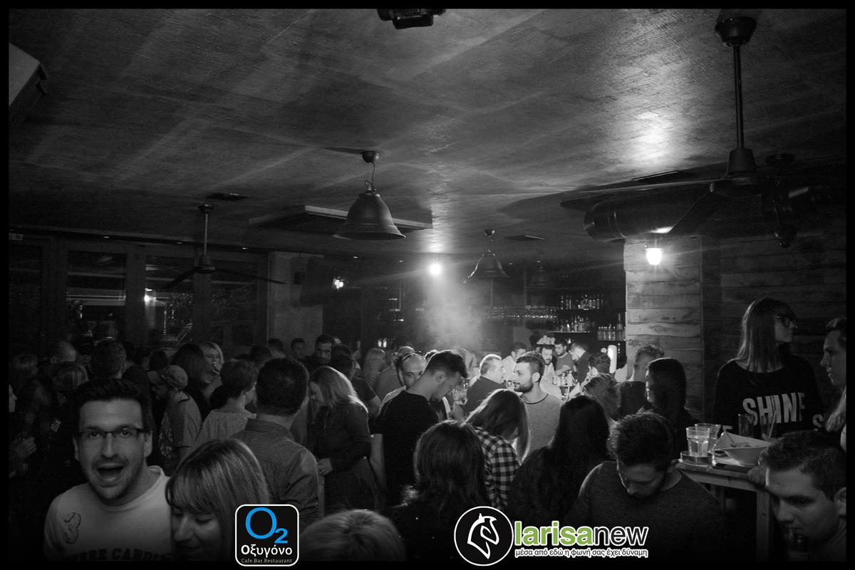 Η πιο καυτή μουσική μάχη στο Οξυγόνο Cafe Bar Restaurant κάθε Κυριακή «2 djs σε μια μάχη με έναν νικητή» 09/04/17 (photos)