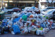 Έκτακτο: Συνεχίζεται η απεργία -Τα σκουπίδια μένουν στους δρόμους