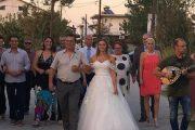 Οι Γερμανοί ξανάρχονται… Για να παντρευτούν στα Μεσάγγαλα! (ΦΩΤΟ)