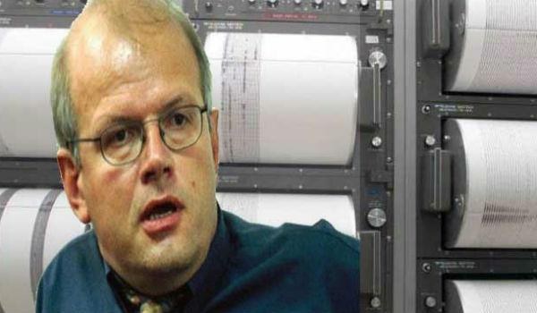 Έχασε το αεροπλάνο που έπεσε στο Ιράν και σώθηκε ο σεισμολόγος Άκης Τσελέντης