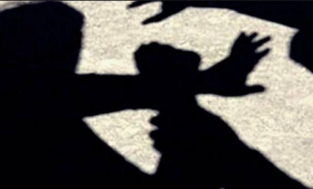 Γυναίκα προσπάθησε να σκοτώσει τον άνδρα που φιλοξενούσε