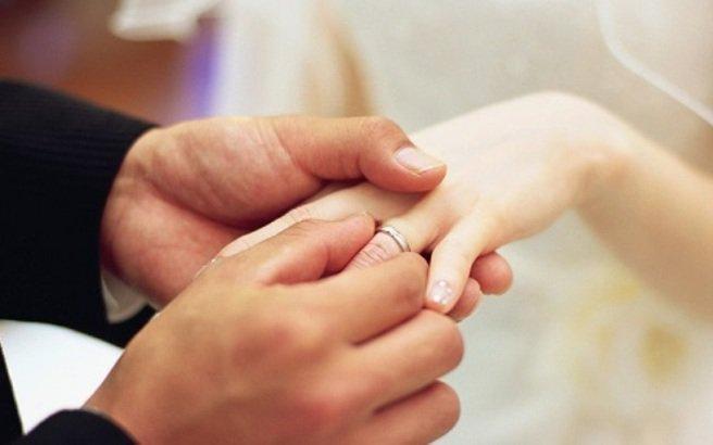 Απέφυγε την καταδίκη επειδή παντρεύτηκε τη… μαθήτρια του