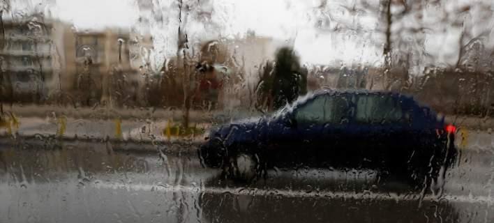 Συνεχίζεται και σήμερα η κακοκαιρία -Με βροχές και καταιγίδες