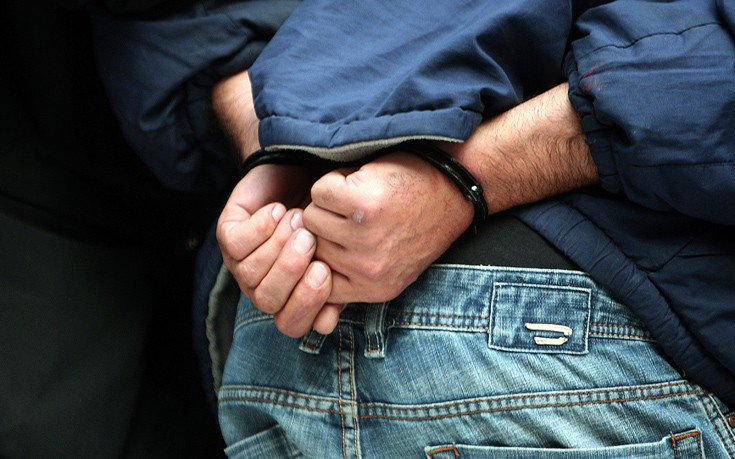 Προσωρινά κρατούμενος ο 26χρονος πατροκτόνος