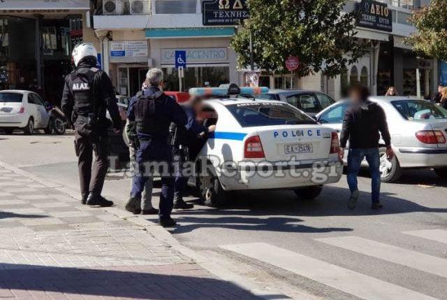 Κατάληψη από αντεξουσιαστές του κτιρίου του Πανεπιστημίου Θεσσαλίας