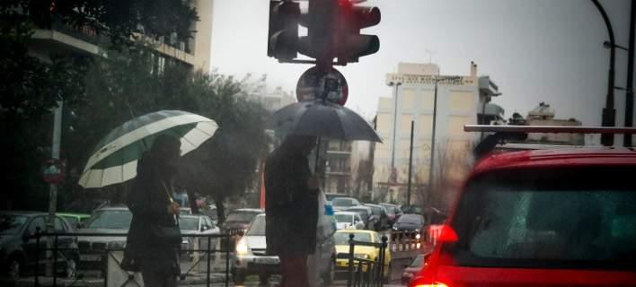 Βροχές και σκόνη σήμερα- Εως 26 βαθμούς η θερμοκρασία