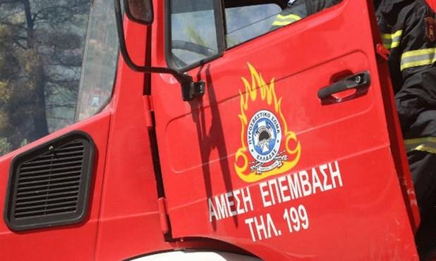 Ζαχαροπλαστείο στη Νεάπολη έπιασε φωτιά