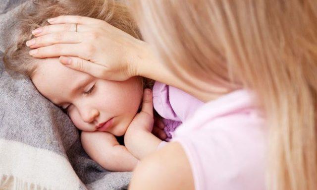 Παιδικές ασθένειες του καλοκαιριού – Τι πρέπει να ξέρουν οι γονείς