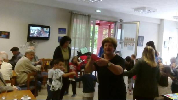 Προσέφεραν τρόφιμα στο Κοινωνικό Παντοπωλείο οι συνταξιούχοι της ΔΕΥΑΛ