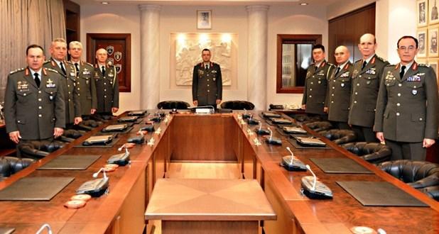 Στο Σαραντάπορο Ελασσόνας συνεδριάζει σήμερα το Ανώτατο Στρατιωτικό Συμβούλιο