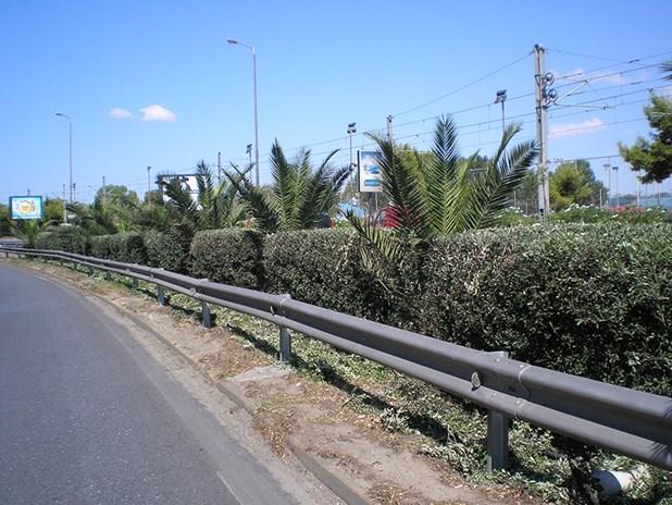 Συντηρεί νησίδες και κόμβους στο οδικό δίκτυο η Περιφέρεια Θεσσαλίας με έργο 700.000 ευρώ