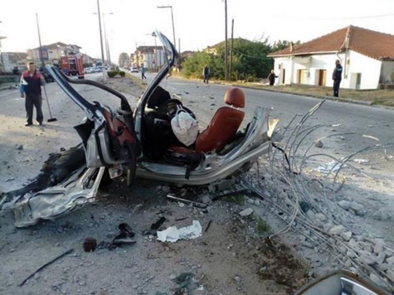 Εικόνες φρίκης στο σημείο που ζευγάρι κάηκε ζωντανό – Δεν έμεινε τίποτα στο αυτοκίνητο μετά το τροχαίο [pics]