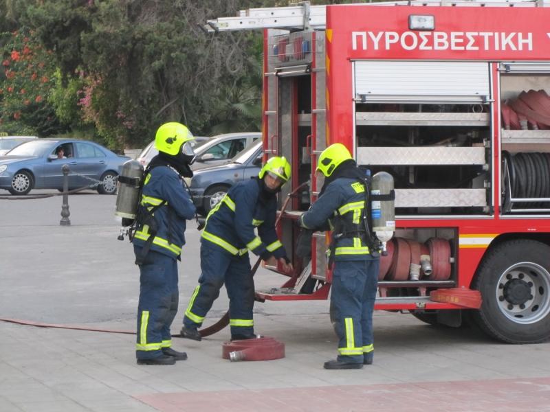 Φωτιά σε διαμέρισμα στο κέντρο της Λάρισας