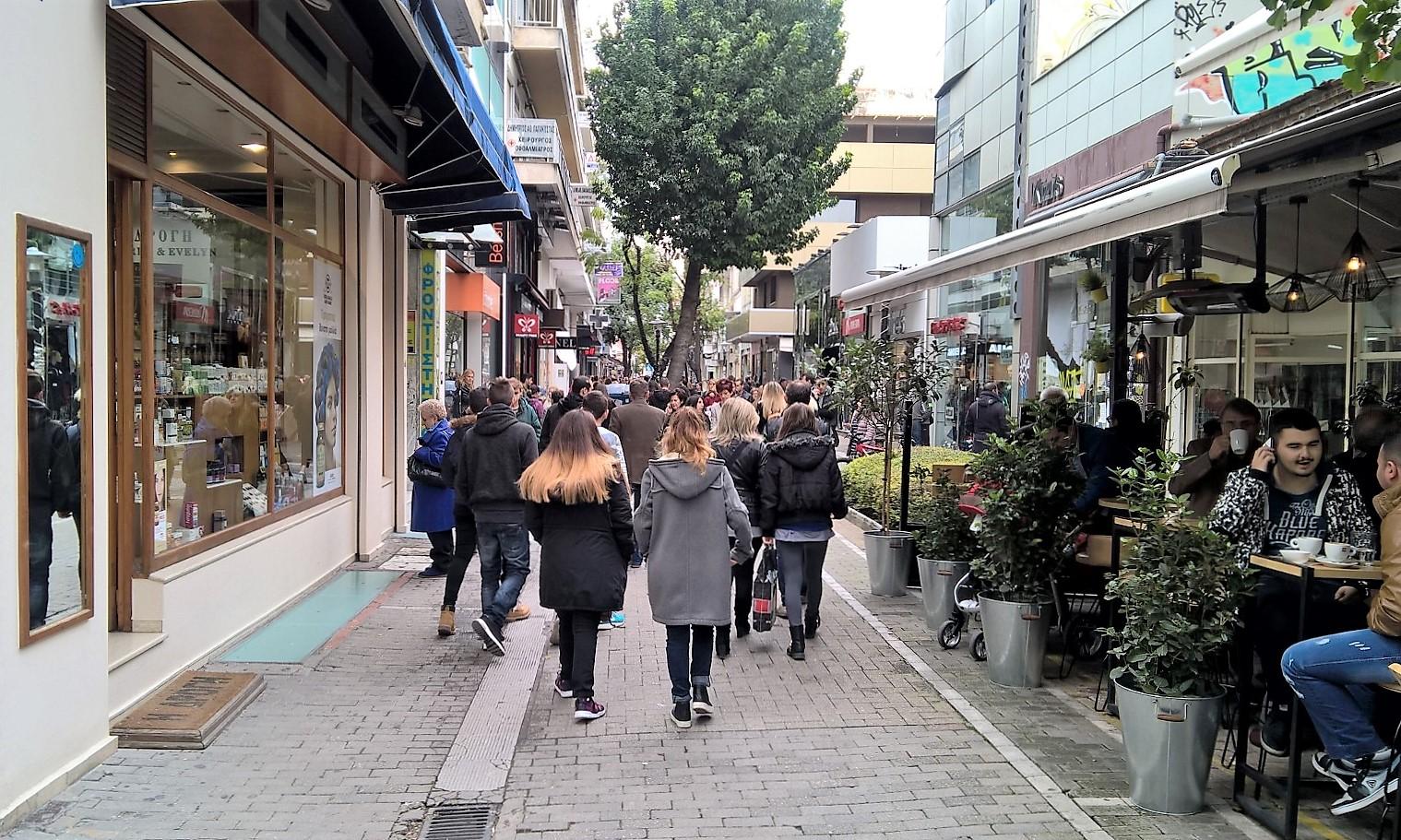 Ξεκινάει το θερινό ωράριο στην αγορά της Λάρισας – Δείτε πως θα λειτουργούν τα καταστήματα