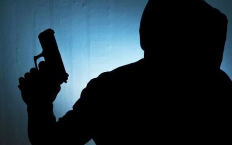 Λάρισα: Χειροπέδες σε 24χρονο που λήστεψε δύο άτομα με την απειλή όπολου σε πάρκινγκ