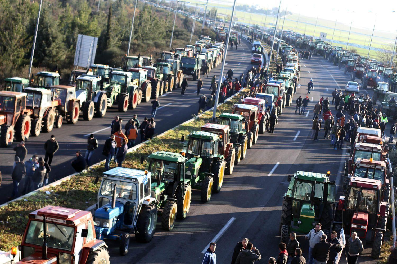 Προκαταρκτική για οδηγούς αγροτικών που συνόδευαν τα τρακτέρ στο μπλόκο της Νίκαιας