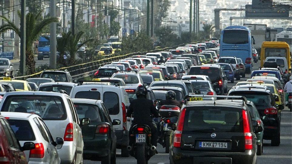 Ουρές χιλιομέτρων στην άνοδο της Αθηνών – Λαμίας λόγω τροχαίου