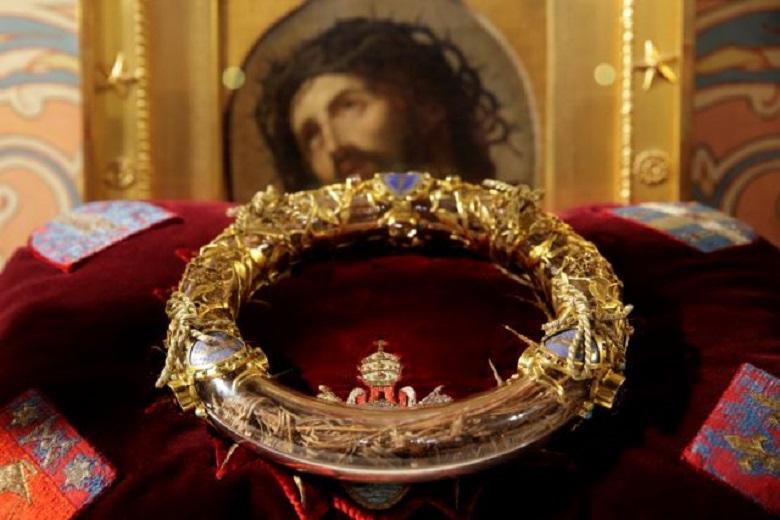 Παρίσι: Σώθηκε το ακάνθινο στεφάνι του Χριστού – Η ιστορία του μοναδικού κειμηλίου