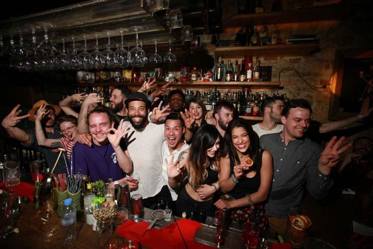 Τα καλύτερα μπαρ του κόσμου στη... Λάρισα