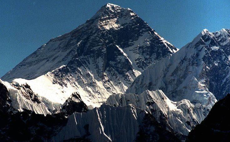 Νεπάλ: Εκστρατεία καθαρισμού του Έβερεστ διοργανώνει η χώρα