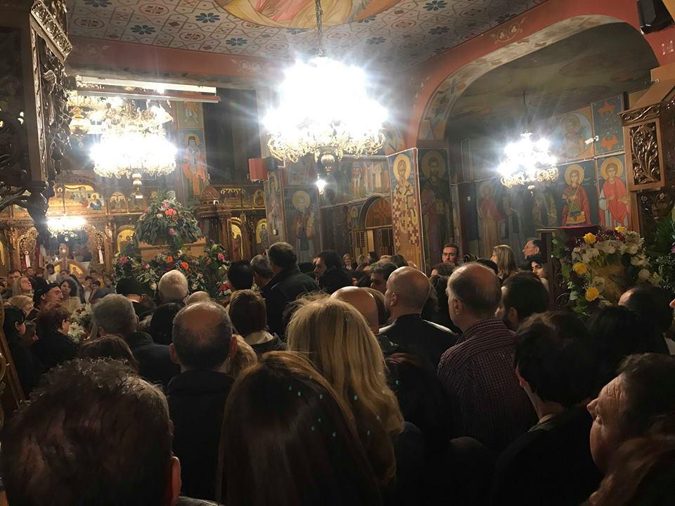 Λάρισα: Πλήθος πιστών στην υποδοχή του Ιερού Λειψάνου της Αγίας Αικατερίνης στον Ι.Ν. Αγίου Γεωργίου (Φώτο-Video)
