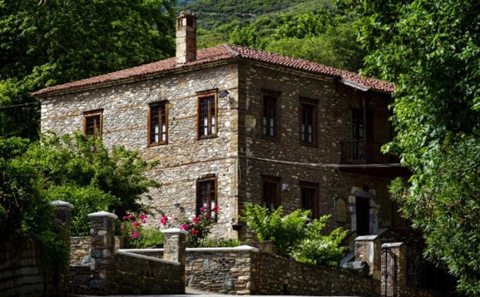 Λάρισα: Ανάμεσα στην Όσσα και το Μαυροβούνι (Φώτο)