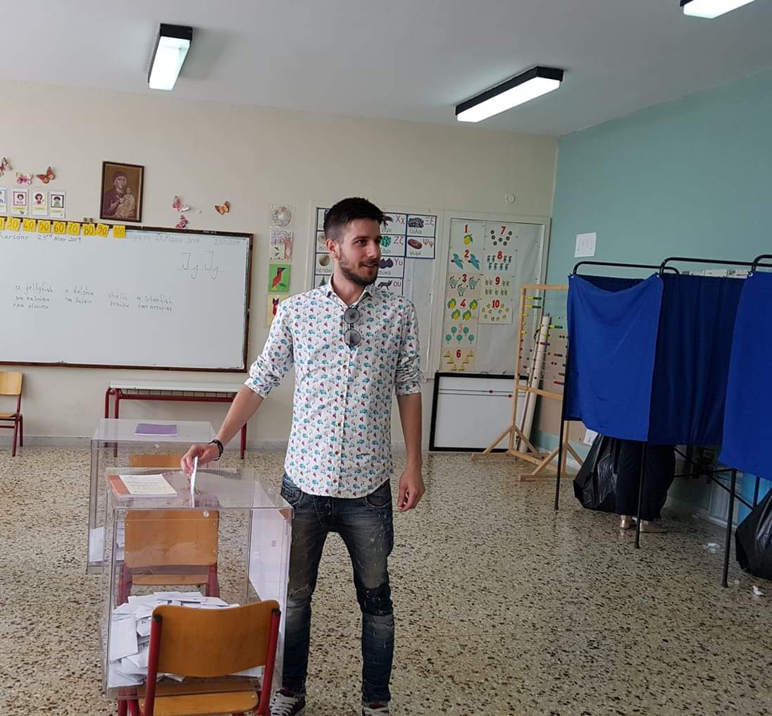 Ψήφισε στο Δίλοφο ο Θανάσης Νασιακόπουλος