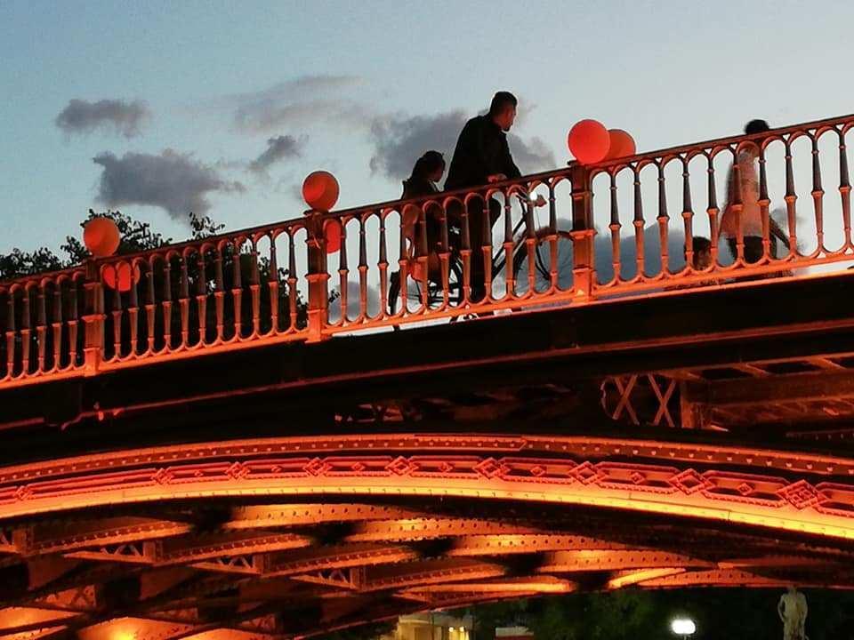 Μήνυμα ζωής από την κεντρική γέφυρα των Τρικάλων (φώτο)