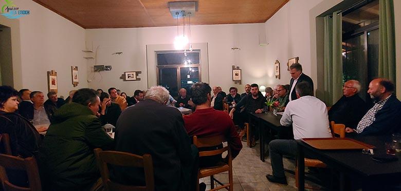 Ο Γιάννης Αγγελάκας και πλήθος υποψήφιων δημοτικών συμβούλων στη Μαρμαρίνη και τη Δήμητρα