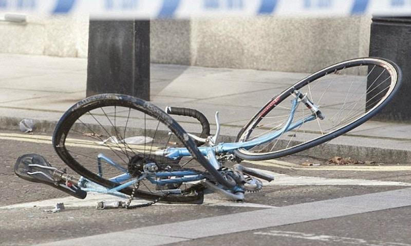 Τροχαίο με τραυματία νεαρό ποδηλάτη στη Λάρισα