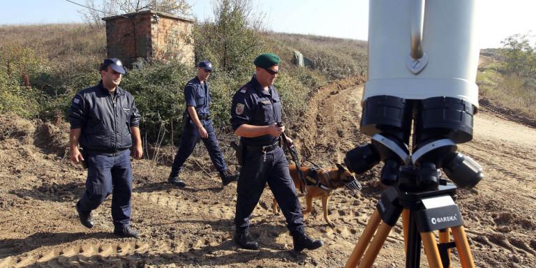 Αστυνομικός της Ομάδας Ζ έδωσε σε βρέφος τις πρώτες βοήθειες και το έσωσε