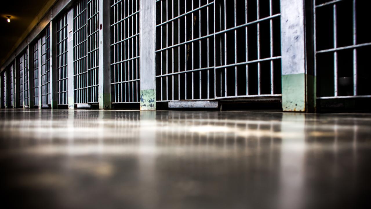 Στη φυλακή ο 59χρονος Βολιώτης που ασέλγησε σε δύο αγοράκια – Κατέρρευσε μόλις άκουσε την απόφαση