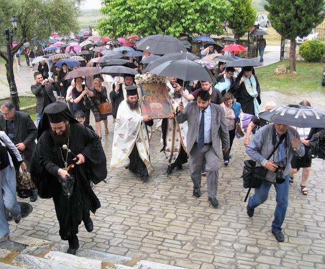 Πανηγυρίζει η Ιερά Μονή Αναλήψεως - Πλήθος κόσμου και φέτος (ΦΩΤΟ)