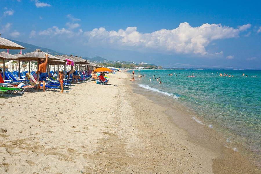 Οριστικό: Πότε ανοίγουν οι οργανωμένες παραλίες