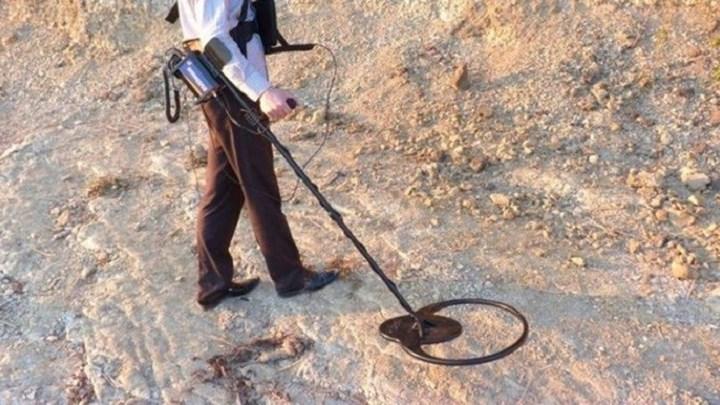 Λάρισα: Πήγαν στο δάσος να σκάψουν για θησαυρό και τους τσάκωσαν οι αστυνομικοί