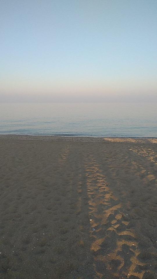 Αυστραλία θα γίνουμε, θα κάνουμε Χριστούγεννα στην παραλία! Θάλασσα να την πιεις στο …ποτήρι στη Βελίκα (pic)