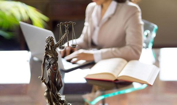 Γυναικοκρατία στο Δικαστικό Μέγαρο Λάρισας - Είναι τριπλάσιες από τους άνδρες