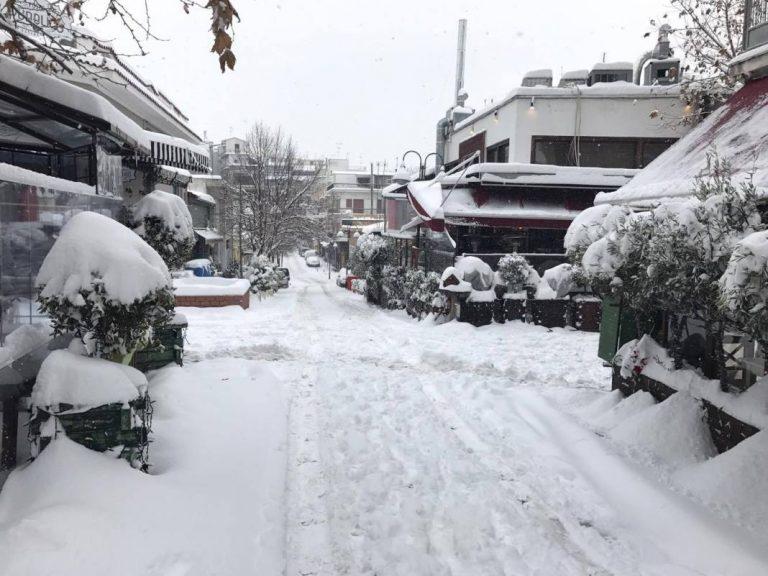 Θα κάνουμε Χριστούγεννα με χιόνια
