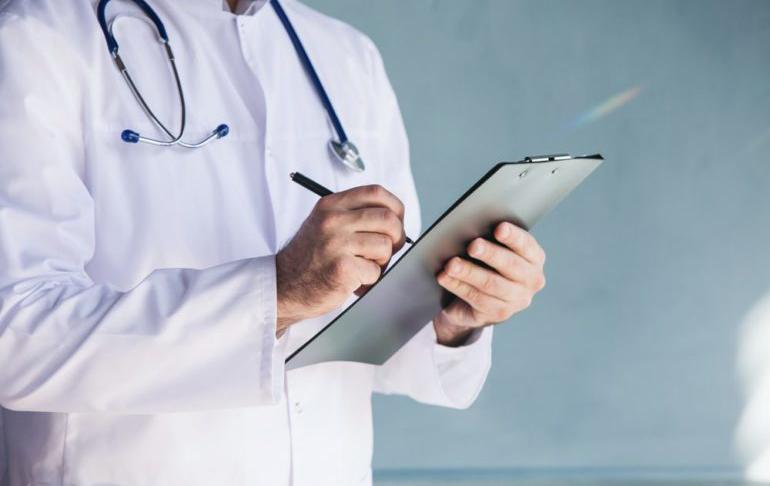 Διά τηλεφώνου φροντίδα ασθενών από γιατρούς του Βόλου