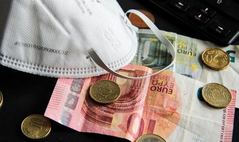 Νοικοκυριά είδαν αύξηση εισοδήματος λόγω καραντίνας – Τα χρήματα μειώθηκαν, αλλά περιορίστηκαν τα έξοδα
