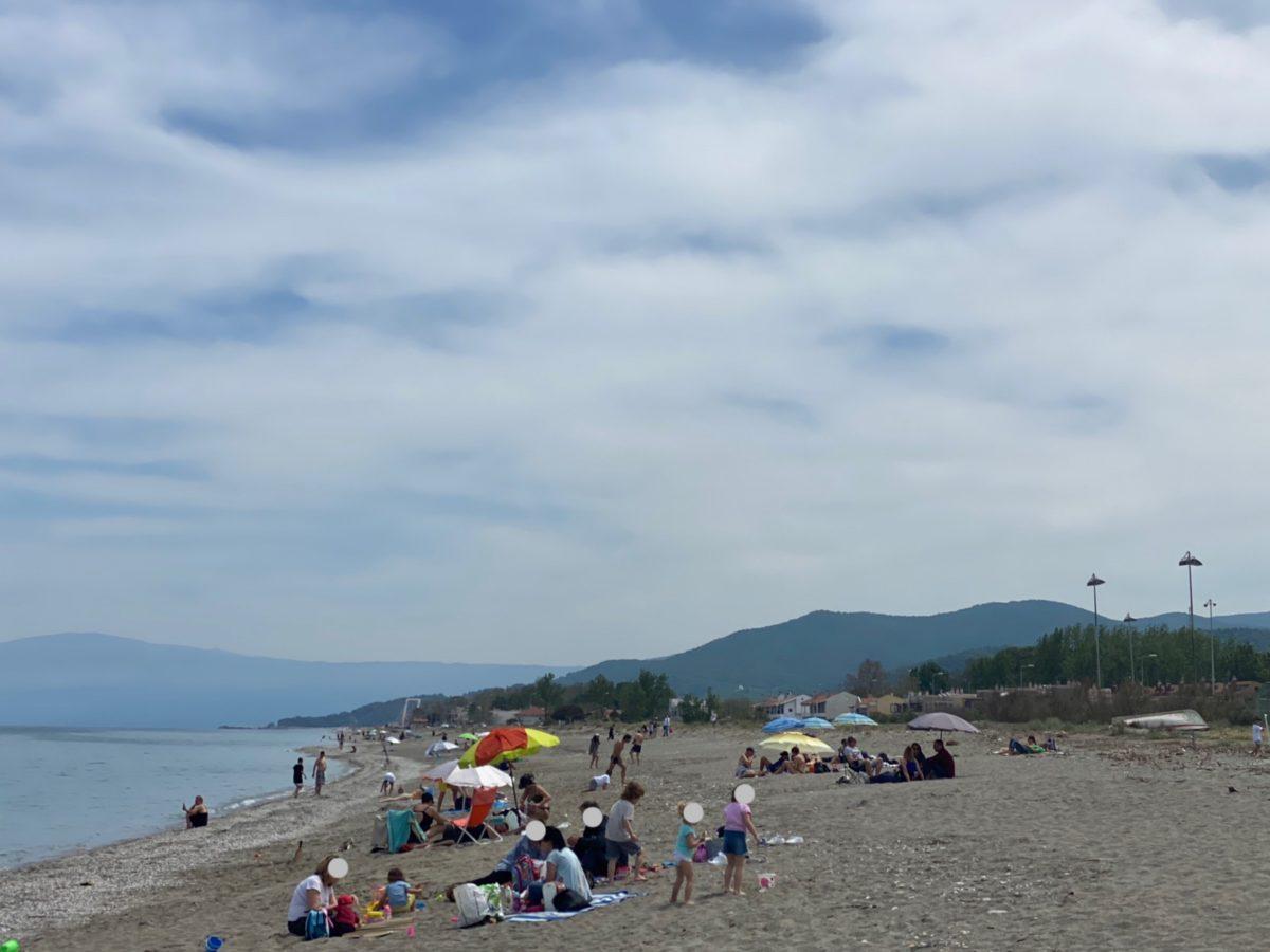 Γέμισαν τις παραλίες οι Λαρισαίοι ΦΩΤΟ