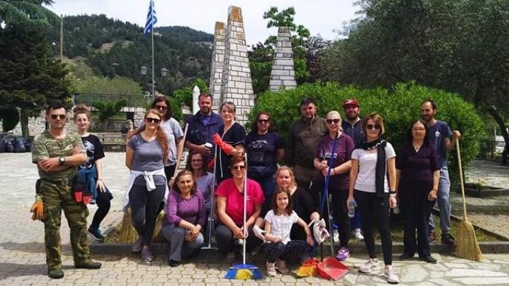 O εθελοντισμός… καθάρισε την Τσαριτσάνη