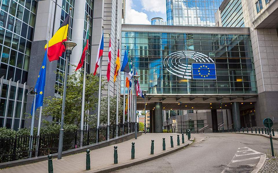 Ε.Ε.: 14+1 χώρες στην αρχική λίστα για το άνοιγμα των συνόρων