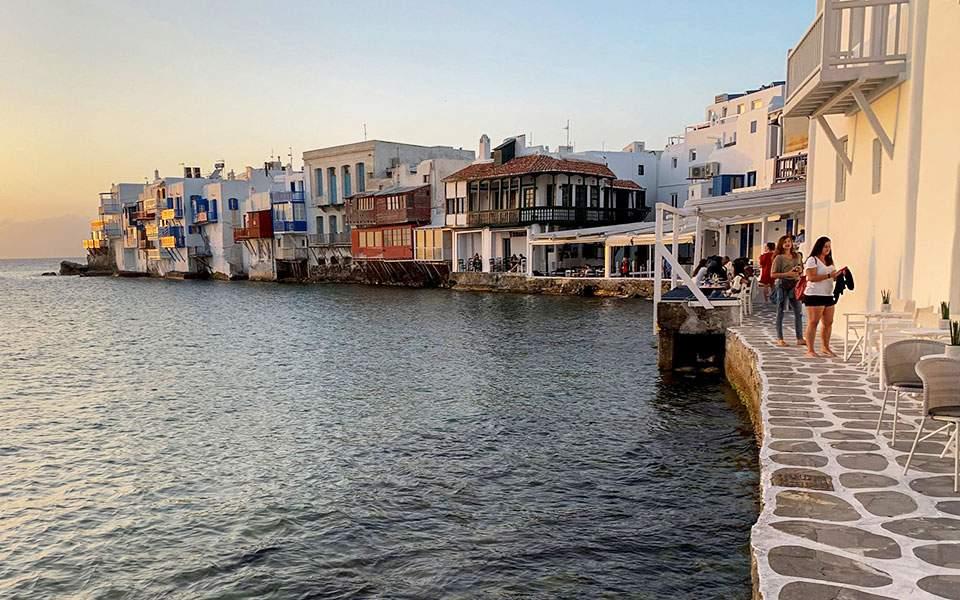 Τα ελληνικά ξενοδοχεία θα χάσουν φέτος 4,4 δισ. ευρώ
